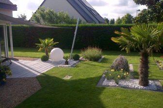 amenagement-paysager-jardin-spacieux-1