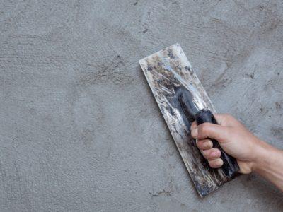 platrier-renovant-murs-interieurs_1150-9951